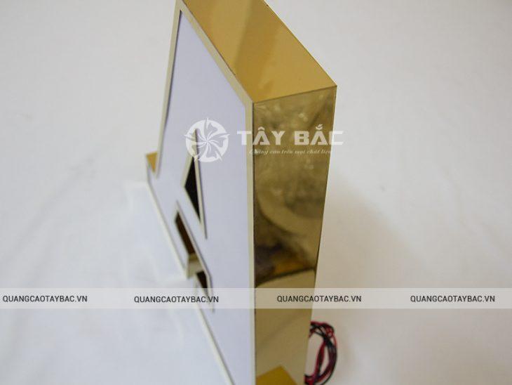 Mặt chữ mica, viền inox vàng gương hậu fomex