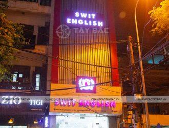 Biển quảng cáo trung tâm anh ngữ Swit