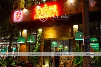 Biển quảng cáo nhà hàng Hẻm Quán